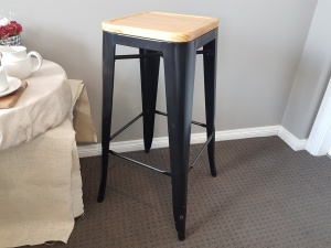 bar_stool_with_wooden_seat_tall