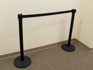 stanchion-black